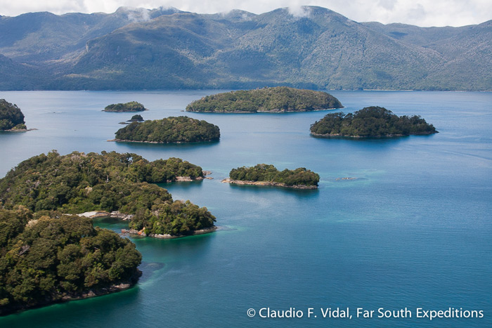 Tic-Toc Bay, Corcovado Gulf, Chile © Claudio F. Vidal, Far South Expeditions